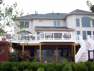 Deck Builder in Manassas, VA